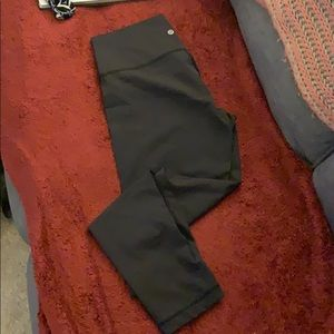 Lululemon size 10 thin black yoga pant
